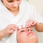 Jak traktować wypryski na twarzy (i nie tylko)